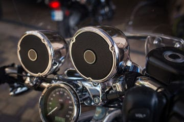 How to Fix Crackling and Popping Noises on Motorcycle Speakers