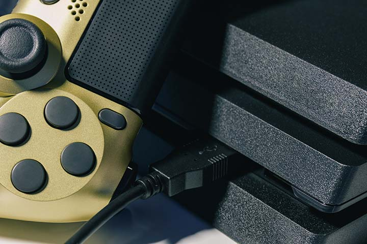 How to enable Mic Monitoring on PS4
