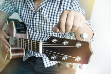 20 Best Guitar Tuner Apps for Android and iOS