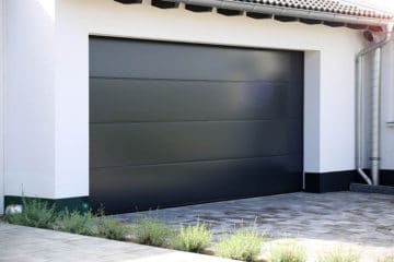 How to Seal a Garage Door from the Inside Correctly