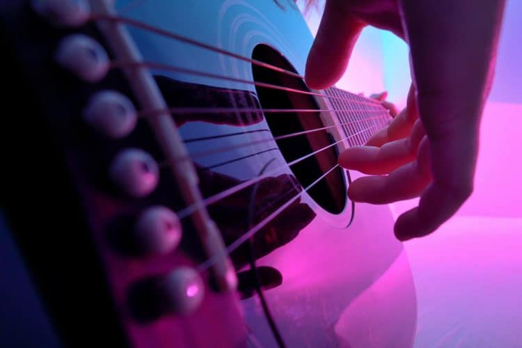 Best Acoustic Guitar Forums To Join As A New Guitarist