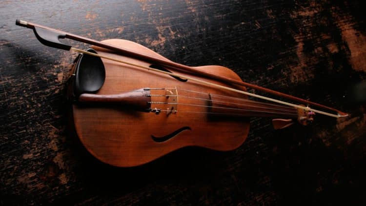 Shipping a Violin from the US to the UK FedEx or UPS